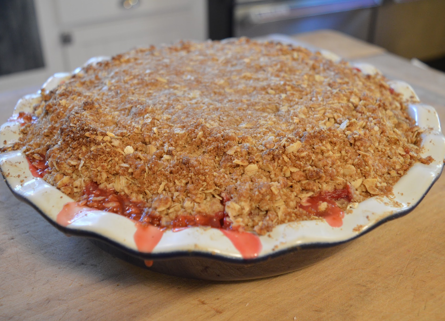 Crumble in kitchen crop